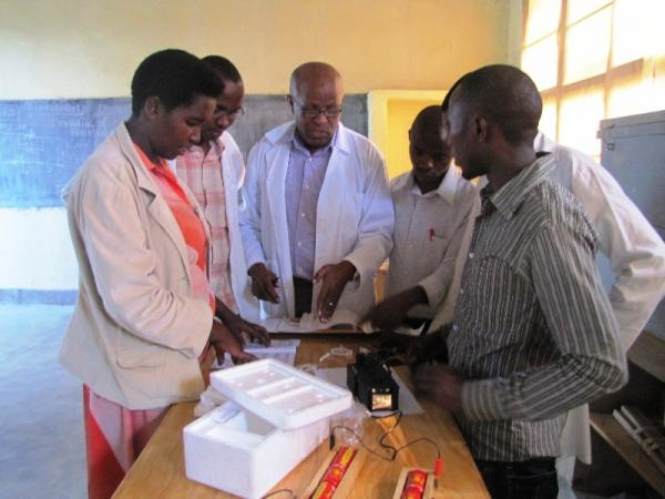 Teachers doing Physics Experiments in Training at GS Kavumu Musulman