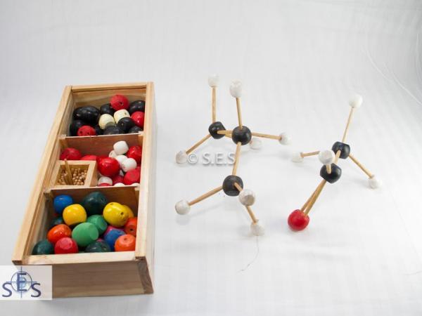 Atomic/ Molecular Models